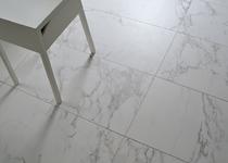 Nieuw in het gamma: Prachtige imitatie Carrara / Calacatta marmer